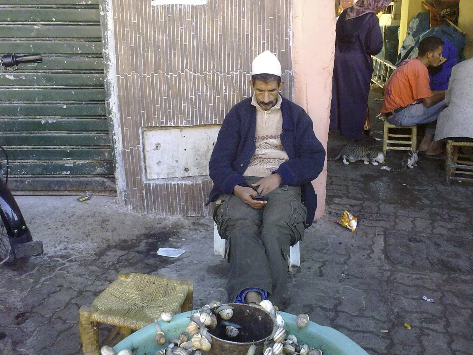 Marrakech-marrakesh-venditore-ambulante-street-peddler