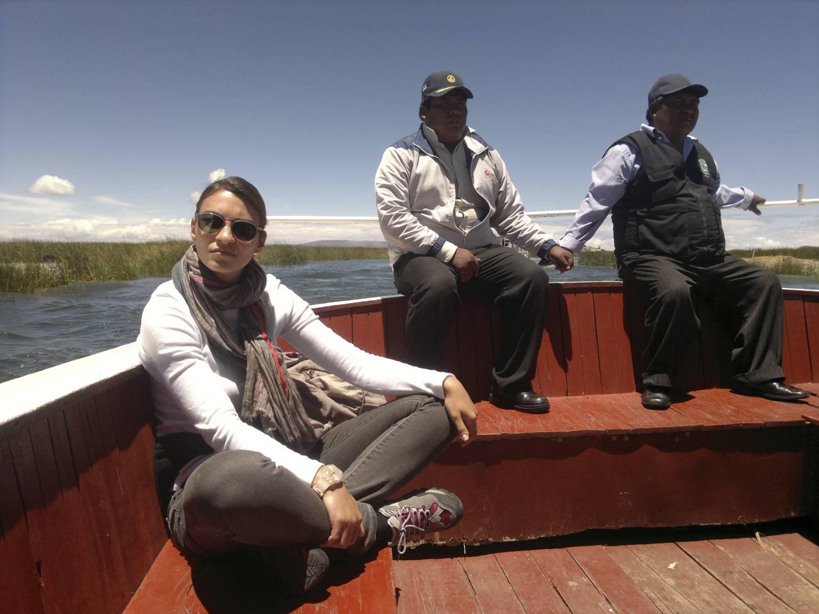 Peru-puno-lago-titikaka-boat-trip-floating-island
